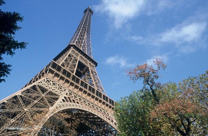 Slobozia Turnul Eiffel Turnul Eiffel 06_tour-de-jour